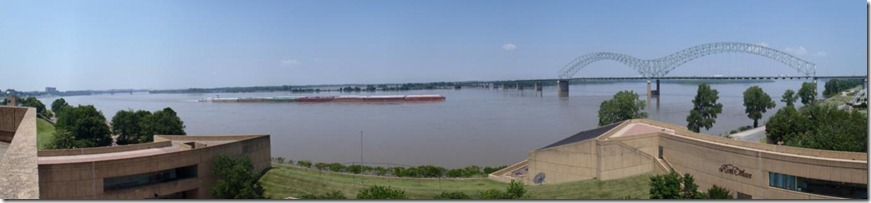 Barges on the Mississippi close to Memhpis